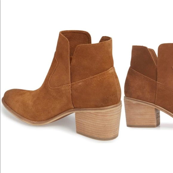 ae3309a3467 bp Shoes - BP Brice Notched Bootie in Cognac Suede